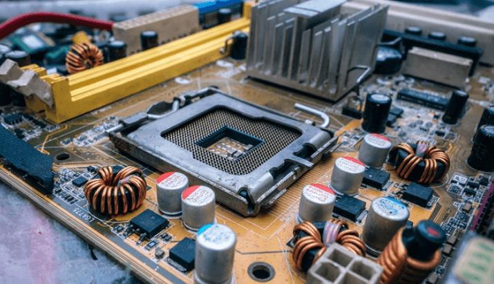איך לבנות לבד מחשב אישי מותאם משלכם - טכנולוגיה - מדע פלוס
