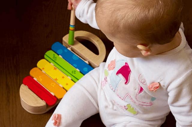 צעצועי תינוקות עם פחות פעולות - מדע - מדע פלוס
