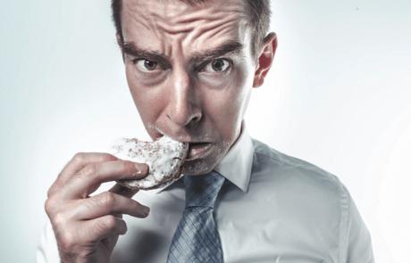 בשר אדם אינו מזין במיוחד. אז מה הניע קניבלים?