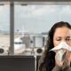 כיצד להישאר בריאים בטיסה גדושת החיידקים הבאה